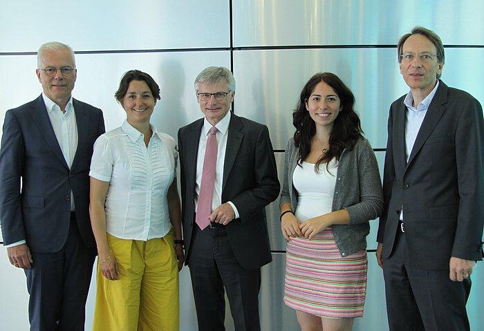 Dr. Sandra Detzer, Melis Sekmen und Dr. Georg Müller und Dr. Christoph Helle von MVV im Gespräch mit dem Wirtschaftsbeirat der Grünen Thomas Zawalski.