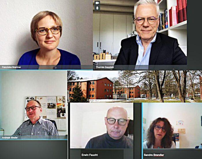 Grünen Politiker Thomas Zawalski und Franziska Brantner im Gespräch mit der Landesaufnahmestelle Sigmaringen.